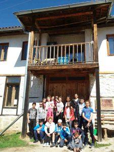 Ученици от Кресна в Училището за природа